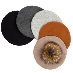 Image 5 - Geebro Women Berets หมวกฤดูหนาวสบายๆถัก Berets ขนสัตว์ธรรมชาติ Raccoon Fur Pompon สุภาพสตรีสีทึบ Beret หมวก GS109