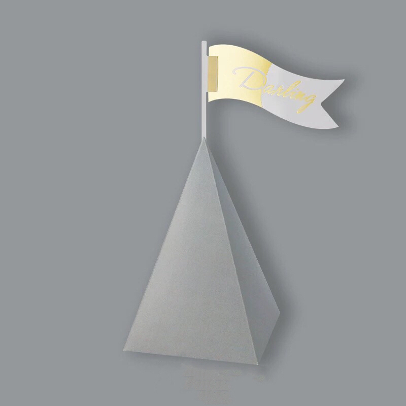 100pcs Solid Gray Color Triangular Pyramid Candy Box With Flag Toppers Wedding Favors Giveaways Gift Party Decor Supplies In Bags Wring