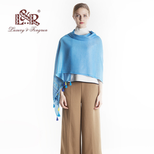 Image 4 - 럭셔리 브랜드 코튼 여성 스카프 박탈 소프트 빈티지 스카프 술 스톨 겨울 목도리 여성 pashmina bandana foulard cachecol