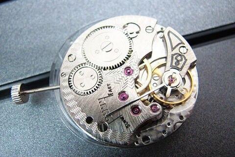 Relógio de Alta Jóias Sgull Movimento Mecânico 6498 Mão Enrolamento Qualidade 17 St36 Mod. 128570
