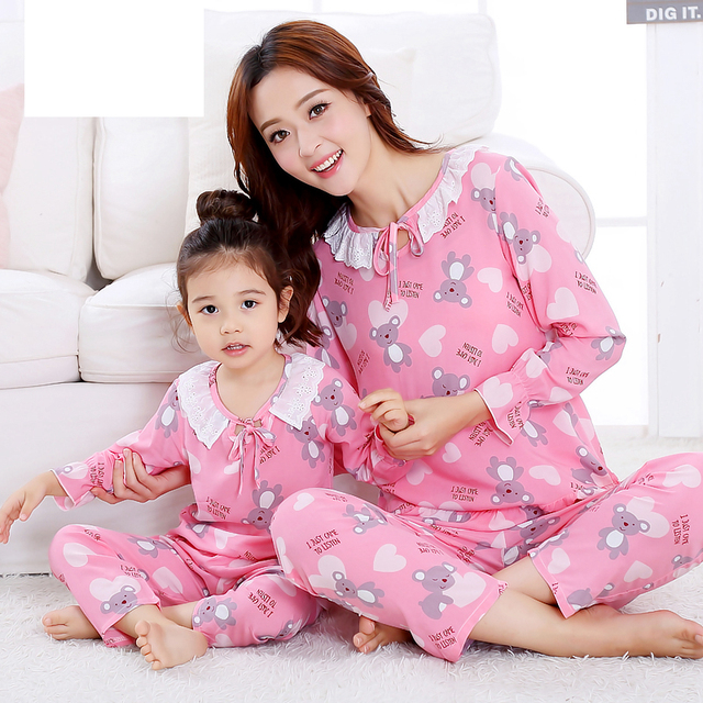 Fashion 2017 Mother Daughter Pajamas Spring Girls Pyjamas Cotton Long Sleeve Mommy and Me Clothes Summer Family Matching Outfits