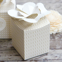 Фотография 8*8*9.5cm 10 Pcs gold Flower Paper Box for Wedding Christmas favor decoration Birthday Cookie Candy Chocolate Macaron packaging