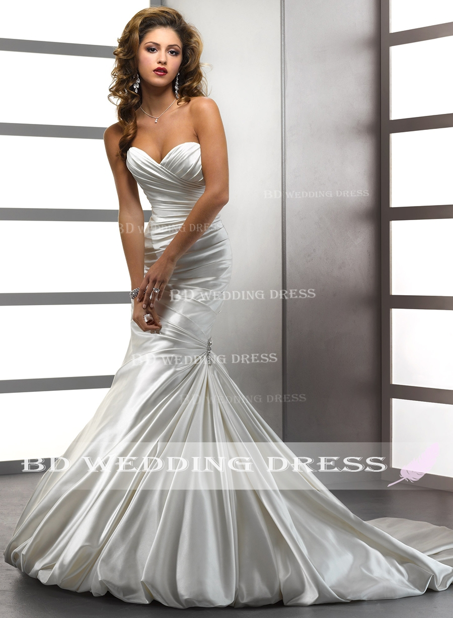 Online Shop 2015 Simple Elegance Wedding Dress Eatures A Ruched Bodice With Sweetheart Neckline Bubble Hem And Crystal Motifs Bridal Gowns