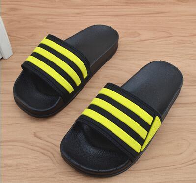 201818 Woman slippers TAZ 201818 men s slippers tott