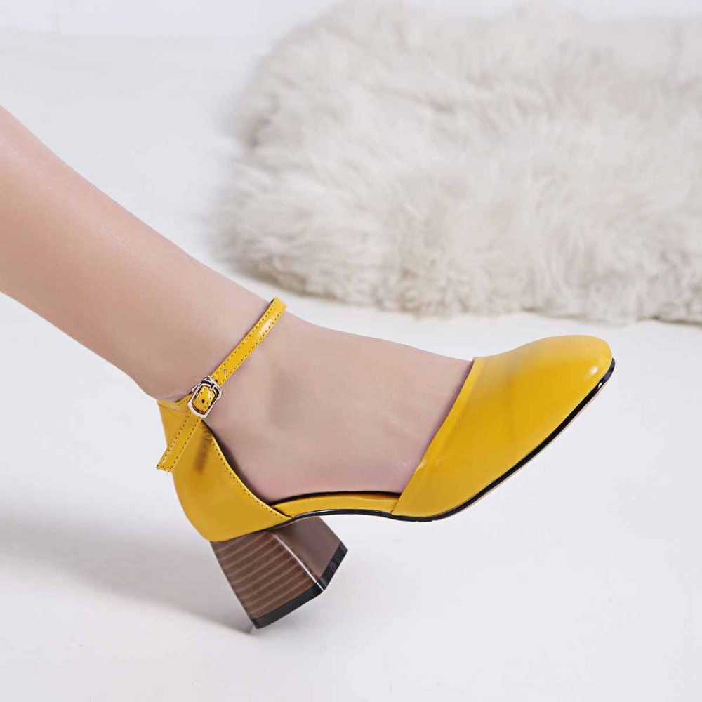 Подробнее о 2017 Krazing Pot new fashion summer colorful shoes soft genuine leather square toe preppy style med heels buckle women pumps 99 krazing pot new fashion brand gold shoes patent leather square toe preppy style med heels buckle women pumps mary jane shoes 90