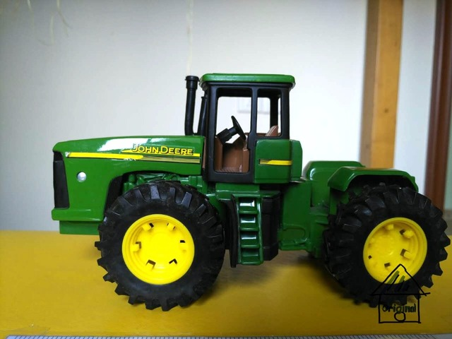 JohnDeere  metal  tractor  mud truck model car toy child gift