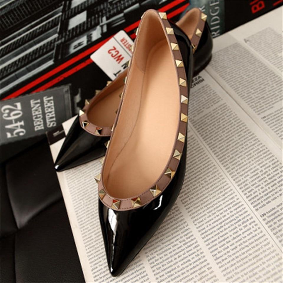 2019 printemps et été nouvelles chaussures pour femmes en cuir véritable bout pointu rivets chaussures plates confortables femmes chaussures