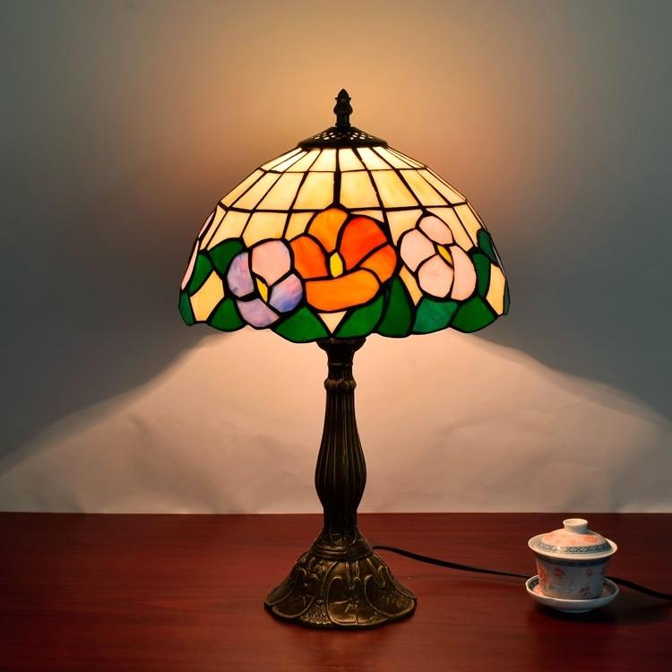 Страна художественное стекло ретро прикроватная тумбочка для спальни личность настольная лампа Европейский Стиль Тиффани ресторан лампы ...