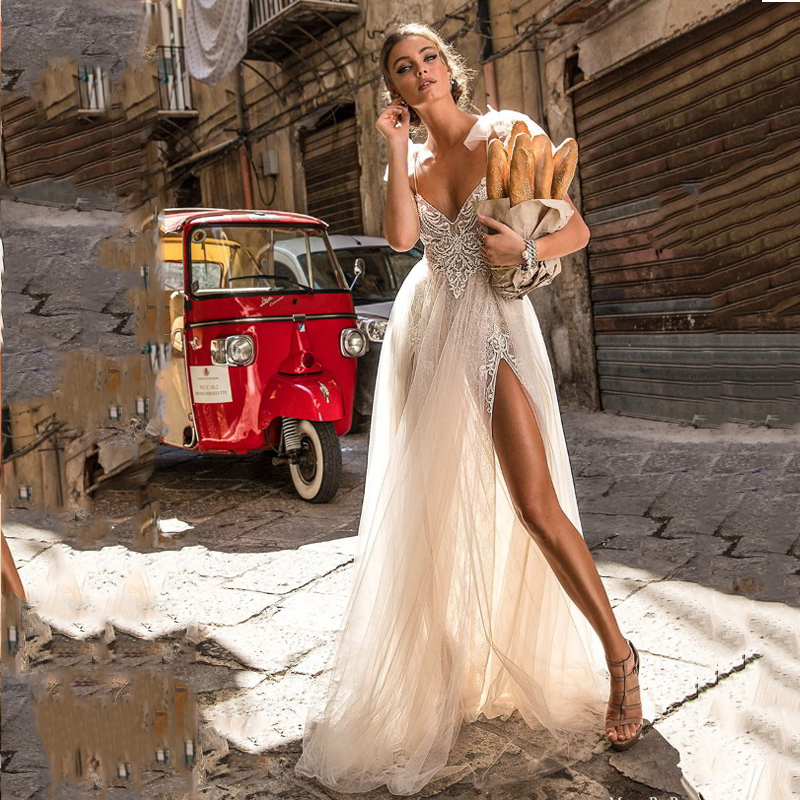 Light A Line Wedding Dress Spaghetti Straps Lace Bride Dress Sexy Side Split 2020 Lace Appliques Boho Long Bridal Gown
