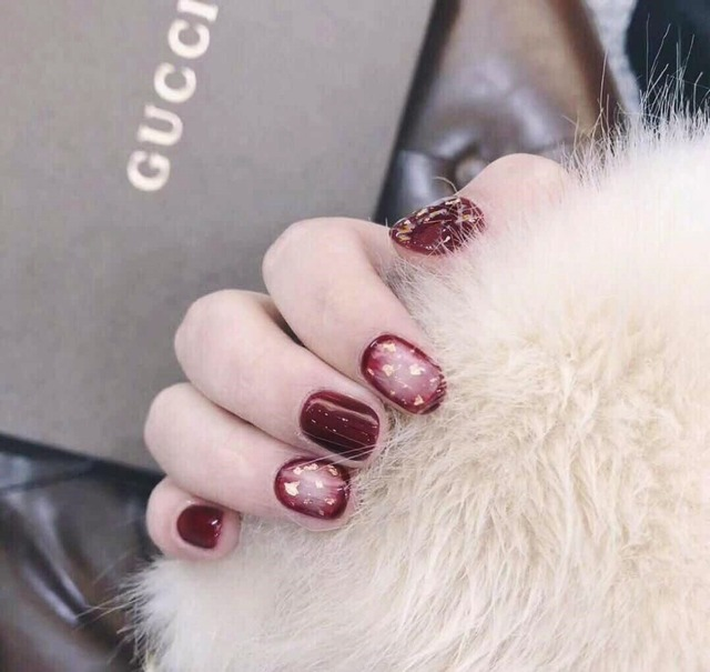 24 Pcs Red Press On Fake Nails With Gold Foil Designs Short Square