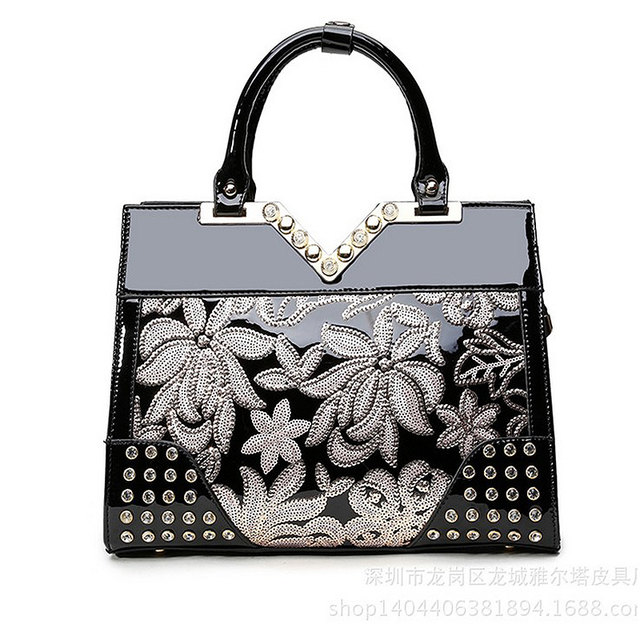 The new Diamonds Female bag Genuine Leather  Totes Fashion Handbags & Crossbody bags Women Embroidery Floral The messenger Bag
