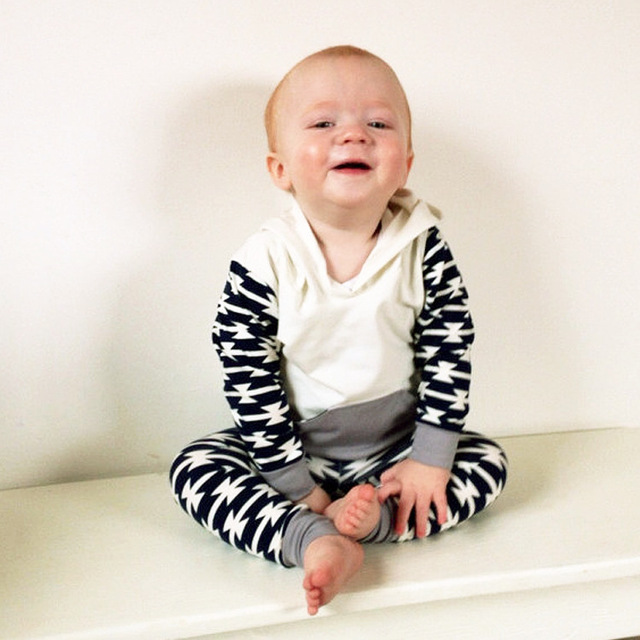 7-24M Bebes Long Sleeve Clothing 2pcs/Set(Hooded T shirt+Pants) Baby Boys Casual Clothes Outfit Newborn Black+White Outwear Suit