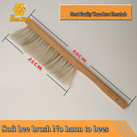 Free Shipping 1 Pc Three Rows Of Bristle Bee Brush Does Not Hurt The Bee Beekeeping
