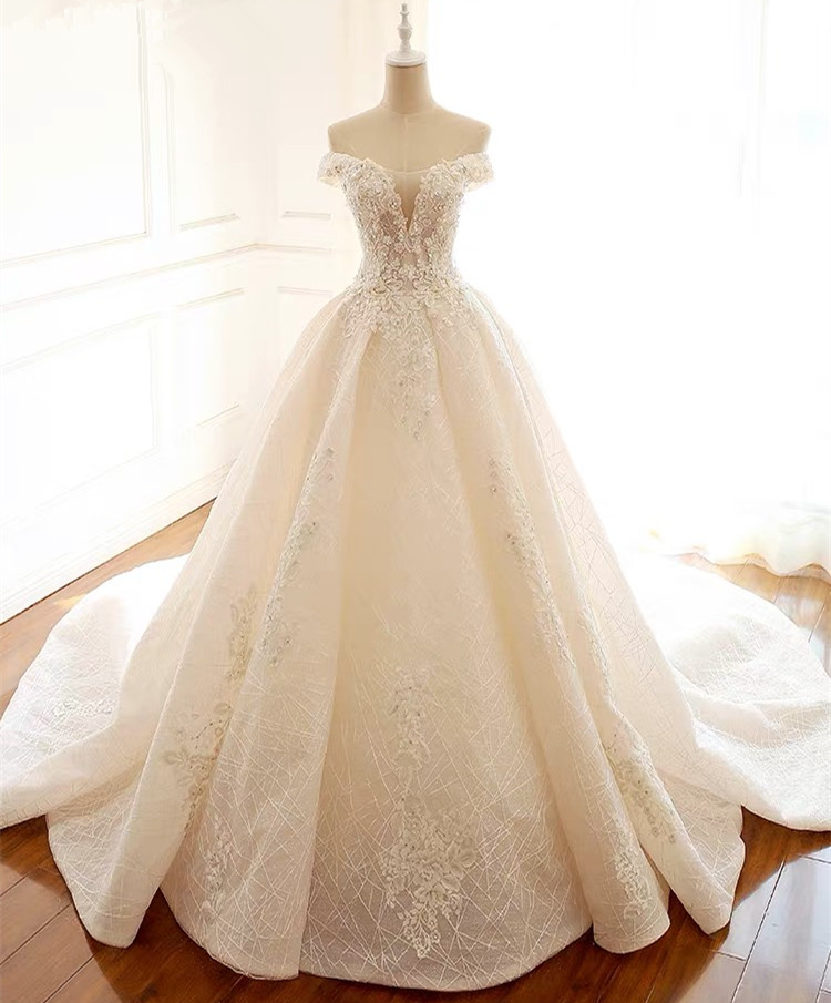 Custom Made Princess Big Train Tulle Lace Appliques Crystal Beaded Luxury Wedding Dresses Wedding Gown 2020 Real Photo WH17