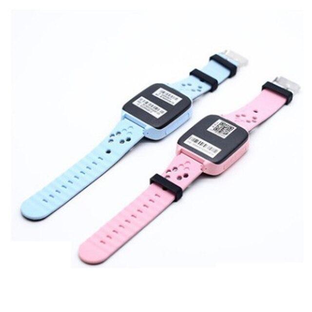 BOX-W Fashion touch screen watch Q528 GPS track big button sos emergency phone kids smart watch 2