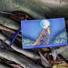 Handmade Men Vegetable Tanned Leather Hand Engraving Wolf Bag Clutch Pu