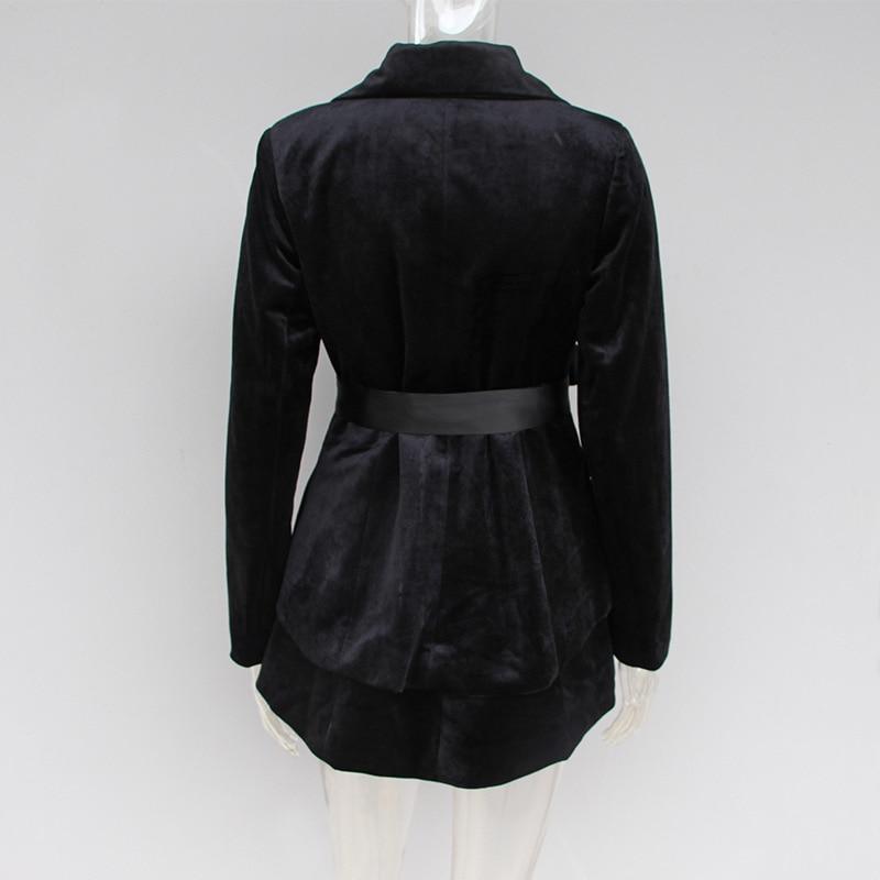 2019 Early Spring New Velvet Women's Little Suit Wrong Fashion Suit Collar Elegant Slimming Suit Top Fashion Black Jackets Women