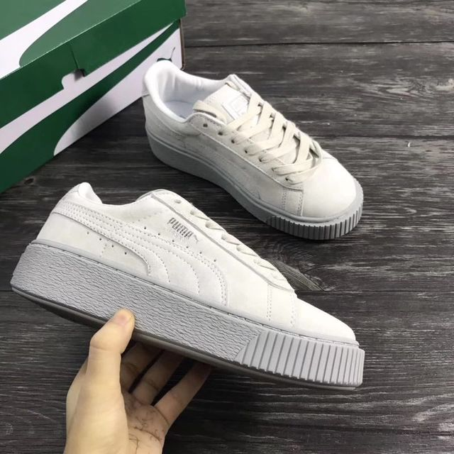 20e038bbd45807 PUMA Suede Classic women shoes Puma 2018 New women s casual sports shoes in  spring and summer women Badminton Shoes35.5-39