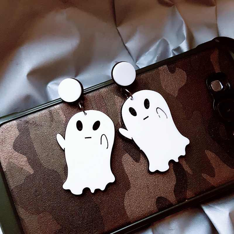 2018 new fashion acrylic white cute hallowmas The little ghost drop earrings for men women best gift Halloween jewelry