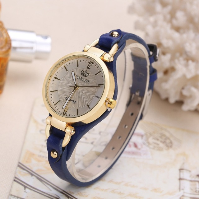 Thin Leather Casual Luxury Woman Watch Gold Dial Ladies Quartz Watch 5
