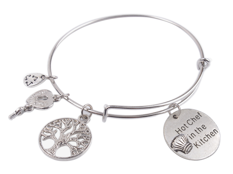 Expandable Wire Bangle Hot Chef in the Kitchen Charm Bracelet #92114