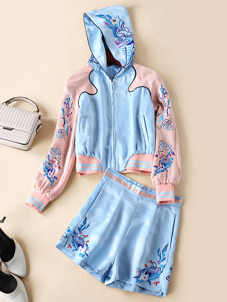 European and American women's fashion 2019 spring new style  Long sleeve hooded Embroidered jackets shorts Contrast color suit