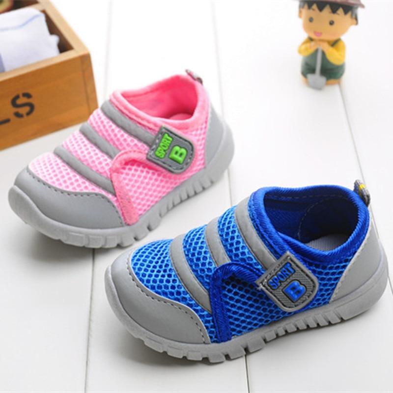 J топленое масло обувь для детей для Обувь для мальчиков Обувь для девочек Детская Повседневное Спортивная обувь из сетчатого материала дышащие мягкие Бег спортивные Обувь розовый синий 13 -15.5 см