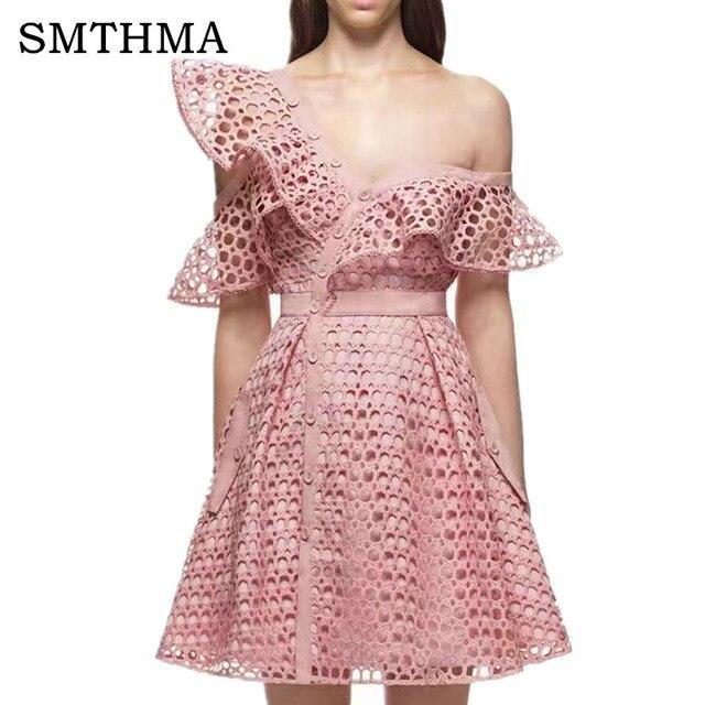 Smthma 2017 взлетно-посадочной полосы Новое поступление розовые женские одно плечо оборками розовый синий белое кружевное платье