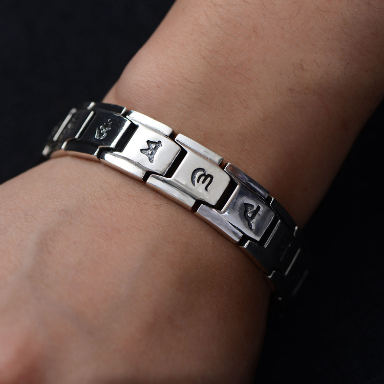 S925 pure Silver personality retro buckle Thai silver classic wrist ornaments six words 2018 men's new bracelet.