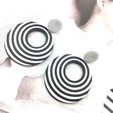Женские акриловые сережки черно белые подвески с переплетением