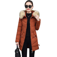 5f6acfe0cc6 Invierno mujer Parka abrigo de algodón chaquetas abrigos 2018 nueva moda  Cuello de piel con capucha larga abrigos Casual mujer b.