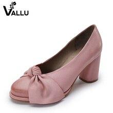 2017 Hecho A Mano de Las Mujeres Zapatos de Tacón Alto de Cuero Genuino de Las Mujeres Bombas Mariposa Nudo Tacones Gruesos de piel de Oveja de Estilo Vintage
