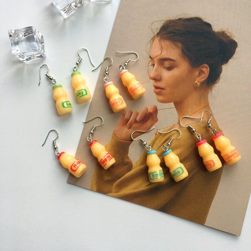 2019 Neue 5 Farben Lustige Ohrringe Persönlichkeit Kreative Mineral Flasche Yakult Stil Nette Simpe Zubehör Für Mädchen Frauen