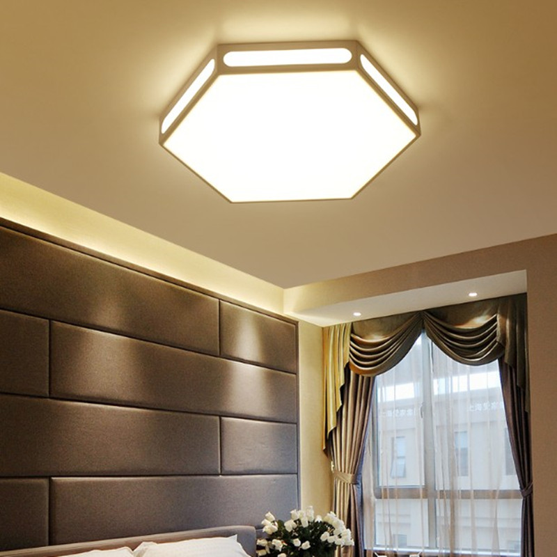купить Modern white hexagon lamp led ceiling light fixture indoor lighting smart remote control ceiling lamp for living room bedroom по цене 5711.79 рублей