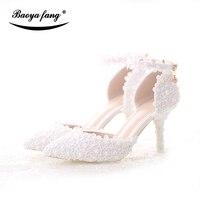 Mới Đến Mùa Hè Phụ Nữ Dép Thời Trang Cô Dâu giày Cưới ankle Dây Đeo ngón chân nhọn Đảng dress shoes hoa nhỏ màu trắng ren