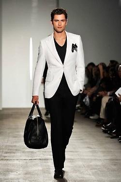 Vestido hombre moderno