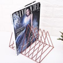 Офис металла железная стойка для хранения Настольная Книга Организатор Журнал держатель для книжных полок современной художественной геометрические украшения