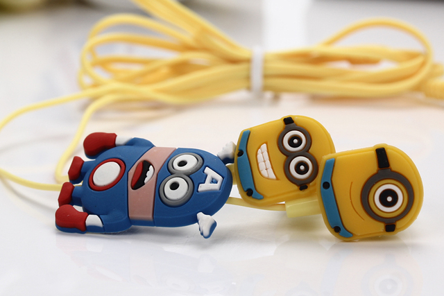 MOONBIFFY New fashion high quality lovely Despicable Cartoon Minions noise isolating sport earphone fone de ouvido