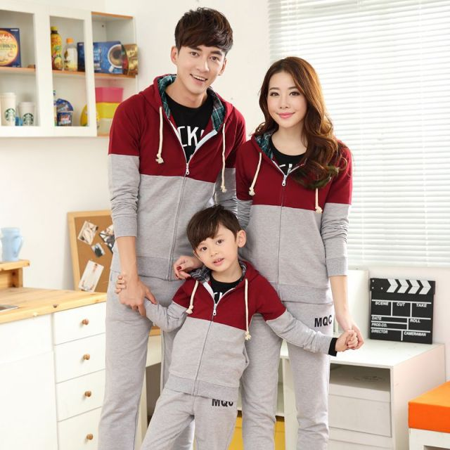 2017 Korean winter fashion family parent-child recreational sports wear a sweater dresses suit on behalf of