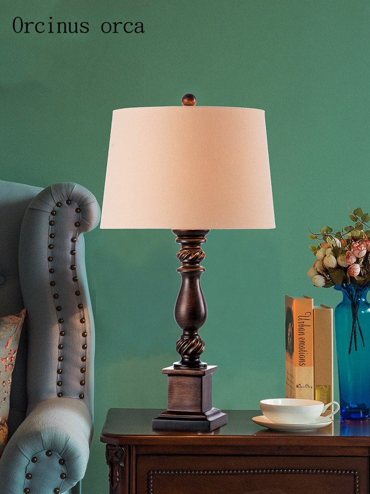 American creative Vintage resin table lamp living room bedside lamp European rural LED classic table lamp free shipping
