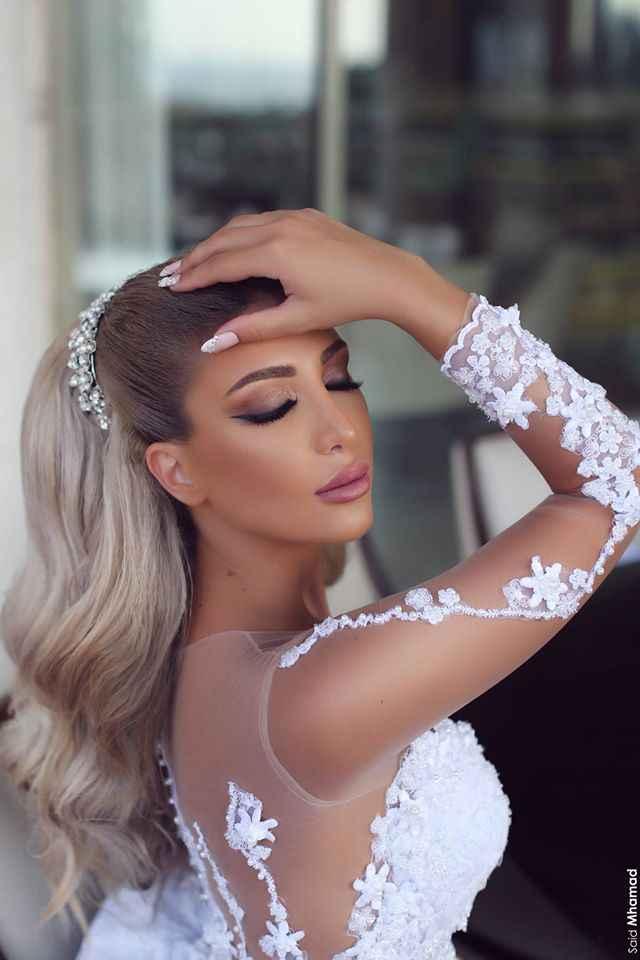 מדהים חדש לבן חתונה שמלת 2020 O-צוואר ארוך שרוולי משפט רכבת אפליקציות שמלות הכלה Robe דה mariee