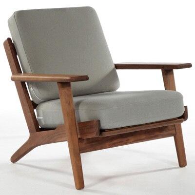 Hans Wegner Sessel. Wohnzimmer Stuhl. Modernes Design. Holzrahmen, Stoff  Kissen. Massivholz