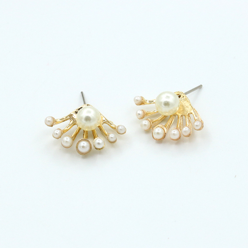 7 Branches of Simulated Pearl Big One On Top Golden Fashion piercing Stud Earrings for Women Trendy Jewelry