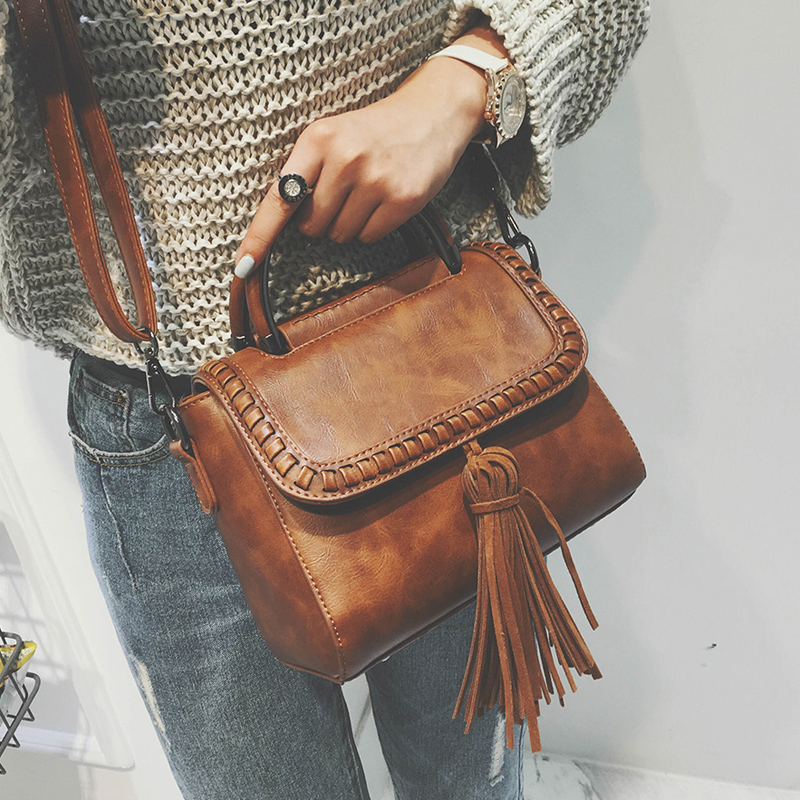Female bag restoring ancient ways of new fund of 2016 autumn winters is joker small bread knitting fashion handbag tassel worn o new 2017 cotton jeans male nostalgic tide restoring ancient ways in europe and the loose joker straight trousers