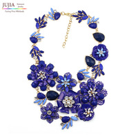 2017 New metal flower bib collar trendy vintage fashion necklaces & pendants costume choker chunky crystal statement Necklace