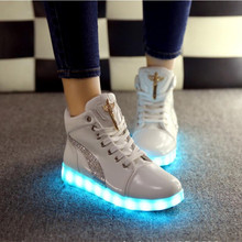 High Top LED Flash Luminous Light Up Shoes women Leisure Casual Shoes Adults Woman Shoes Hot Fashion color tenis led lace up