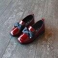 2016 Осень Зима Мягкий PU Лакированной Кожи Детская Обувь Бабочка Британский Дизайн Девушки Кожаные Ботинки Fahsion Дети Кроссовки