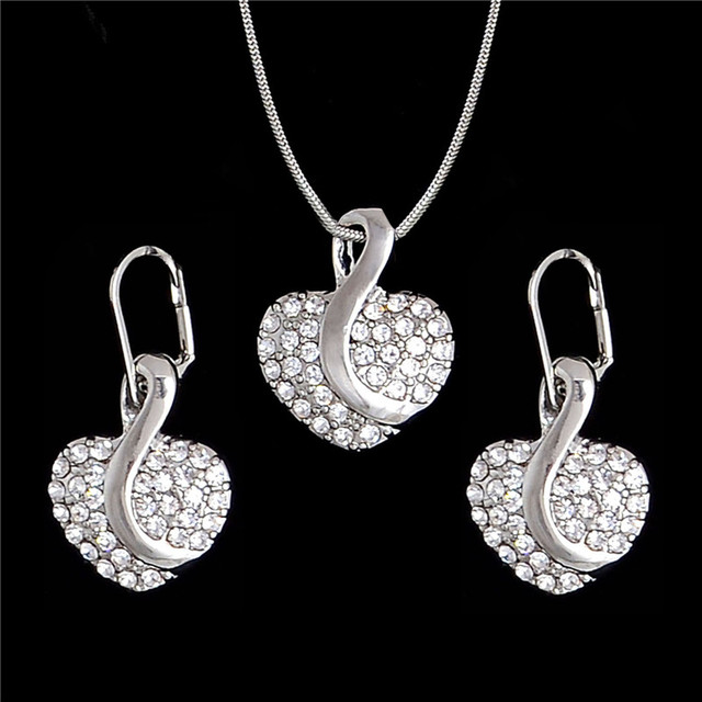 Ing Crystal Jewelry Set...