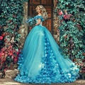 2017 Blue Ball Vestido Quinceanera Vestidos com Flores Handmade Off do ombro Tribunal Trem Tulle Prom Dress Robe de soiree CR237