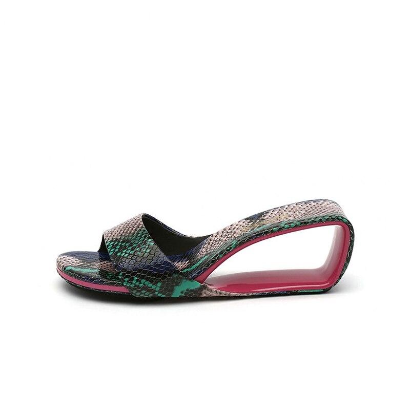 슬리퍼 여름 여성 신발 디자이너 브랜드 샌들 fretwork 웨지 힐 여성 샌들 6 cm 하이힐 슬리퍼 hl148 muyisexi-에서슬리퍼부터 신발 의  그룹 3